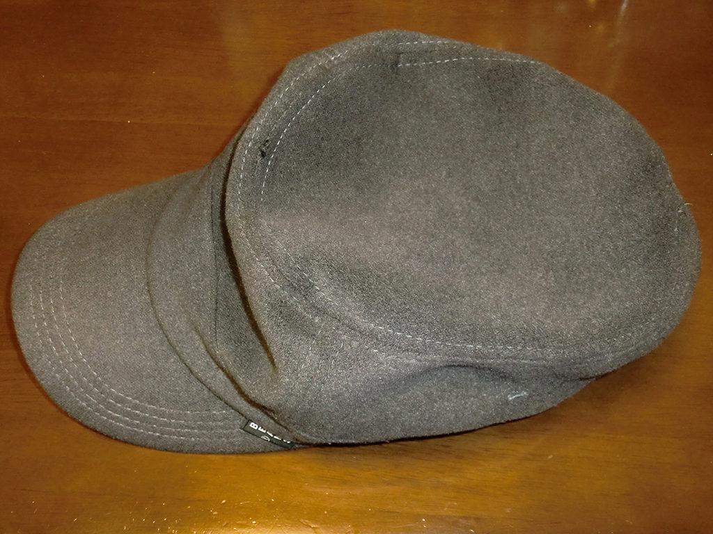 クリーニング前の帽子